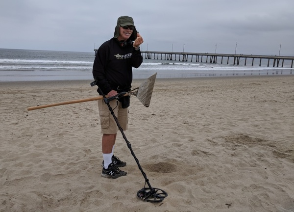 This Amateur Metal Detectorist Is Fighting Pirates On The Beaches Of Santa Monica: LAist