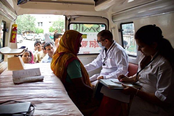 Indien startet heute die weltweit größte Krankenversicherungs-Reform