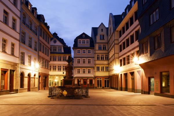 So baute Frankfurts seine zerstörte Altstadt in 6 Jahren wieder auf