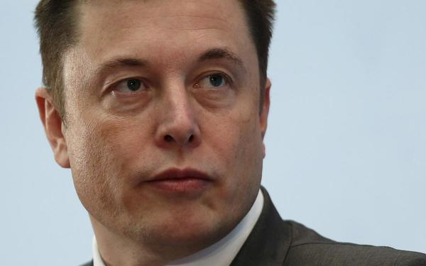 Musk to resign as Tesla chairman, remain as CEO in SEC settlement | Reuters