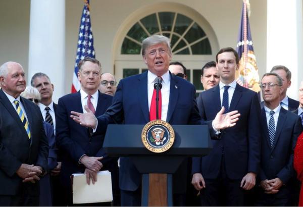 Trump presenteert het nieuwe handelsakkoord met Mexico en Canada (foto: Reuters)