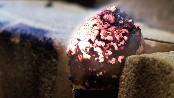 Dieses Plastik kann 75 Atomschläge überstehen