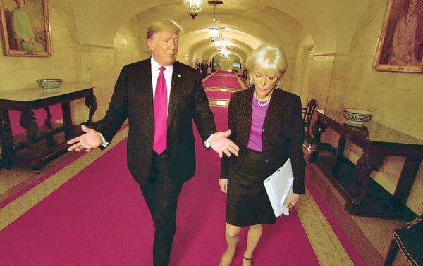 Trump en 60 Minutes-interviewer Lesley Stahl (foto: CBS)