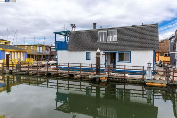 Tom Hanks Once Lived in This Tiny California Houseboat—And Now You Can, Too - Coastal Living
