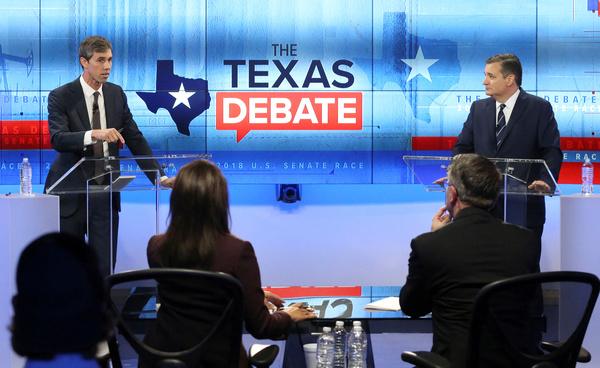 De Democratische kandidaat Beto O'Rourke in debat met zijn Republikeinse tegenstander, senator Ted Cruz (foto: Reuters)
