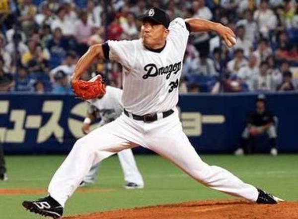 Pour faire du baseball au Japon, on doit maîtriser le grand écart latéral.