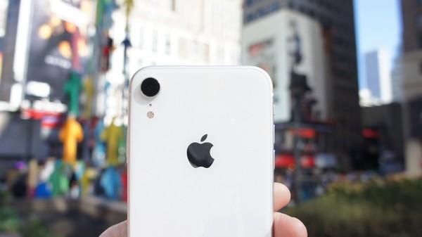 Apple iPhone XR: The Review – Lance Ulanoff – Medium