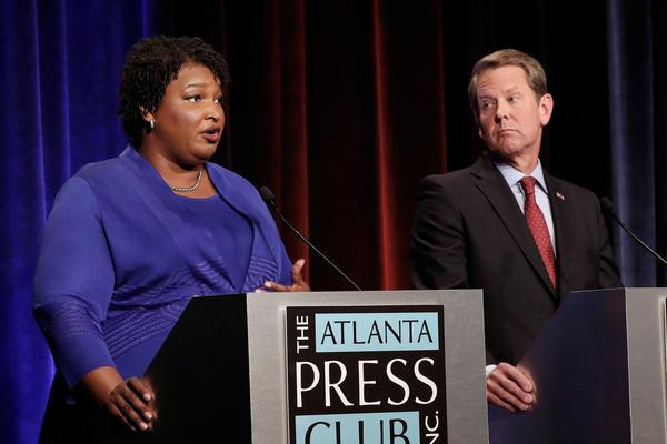 De Democraat Stacey Abrams en de Republikein Brian Kemp nemen het tegen elkaar voor het gouverneurschap van de staat Georgia (foto: Reuters)