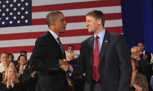 Obama en de Democratische gouverneurskandidaat Richard Cordray. Cordray maakt goede kans het gouverneurschap in Ohio te winnen (foto: Reuters)