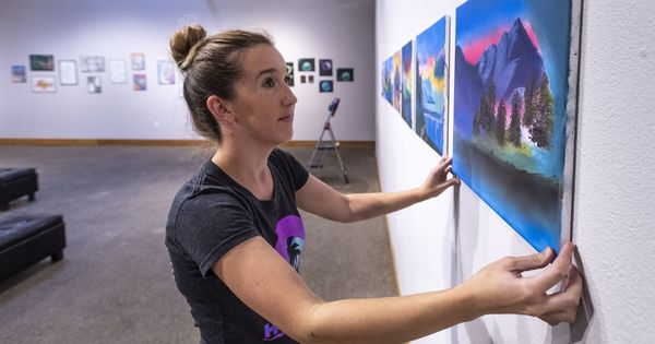 First Friday celebrates local artists, Mexican culture in  Visalia