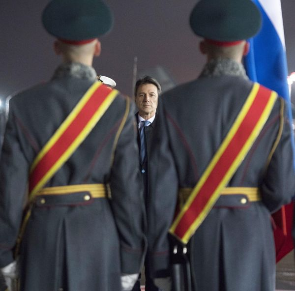De Italiaanse premier Conte op bezoek in Rusland