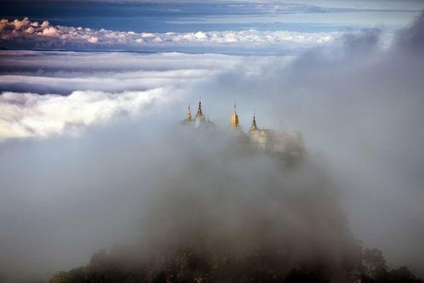 Mount Popa, bij Bagan