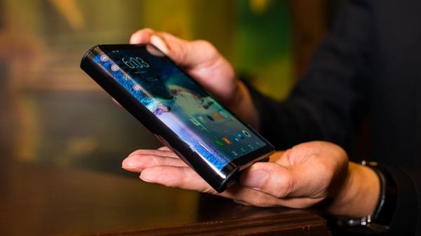 Samsung's foldable Galaxy F phone set to raise more questions than answers - CNET