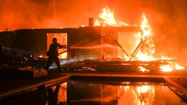 California woman loses home to wildfire after surviving Thousand Oaks bar massacre: report | Fox News