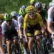 What we can learn about crowd behavior by watching the Tour de France