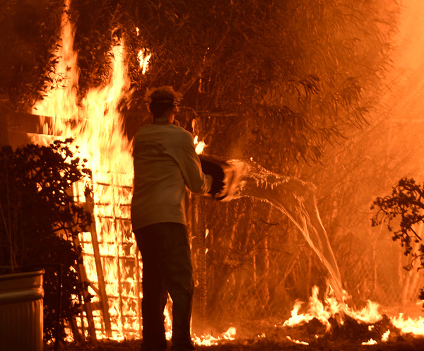 Californië krijgt door klimaatverandering steeds vaker te maken met verwoestende natuurbranden (foto: Reuters)
