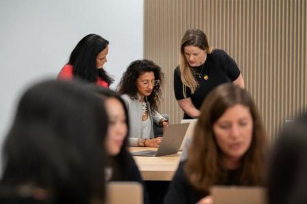 Apple Launches Tech Bootcamp for Women Entrepreneurs to Drive Diversity   Samaritanmag.com - The Anti-Tabloid