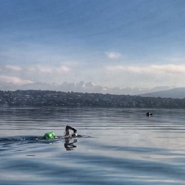 Winter Swimming in Lac Leman, Geneva
