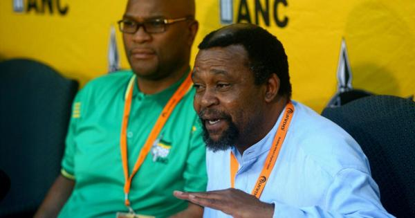Senior ANC member warns party to deal with corruption | eNCA