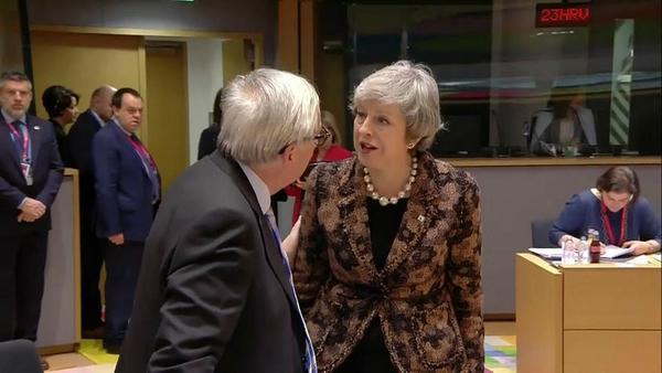 May vindt Juncker niet grappig.
