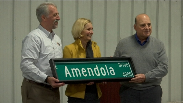 Family who sold building to Central California Food Bank tours facility | abc30.com