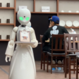 Robots in Japans café worden bestuurd door mensen met beperking