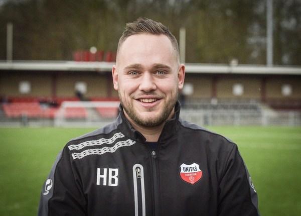 Hans Bos bezig aan laatste maanden als hoofdtrainer bij Unitas