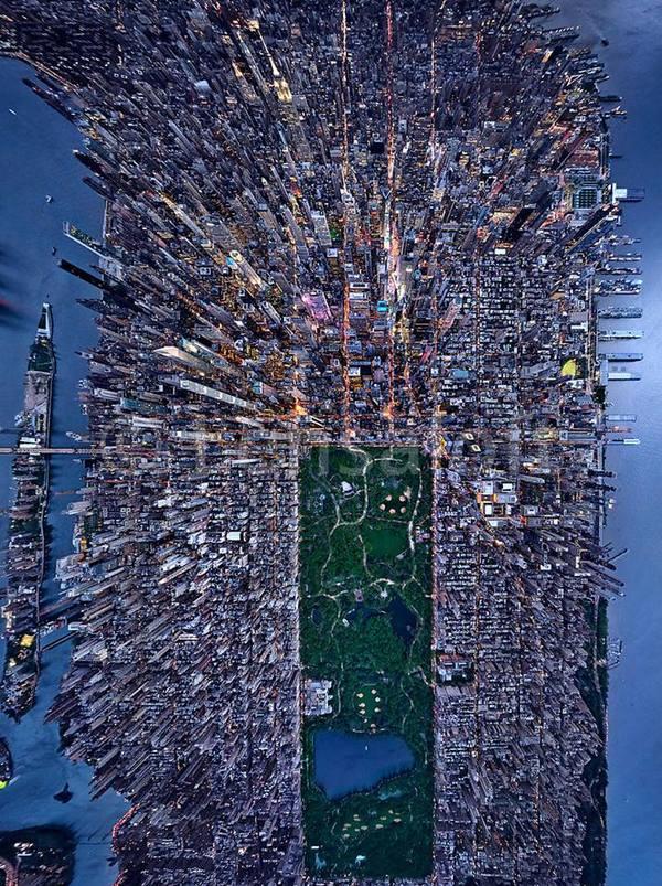 New York, recht van boven.