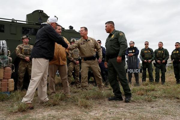 Trump bezocht donderdag de grens in Texas (foto: Reuters)