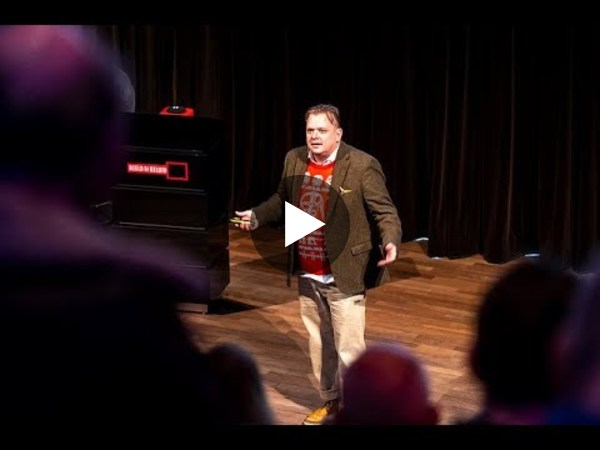 Maarten shared his Voice insights in 2 minutes (in Dutch & in xmas sweater)