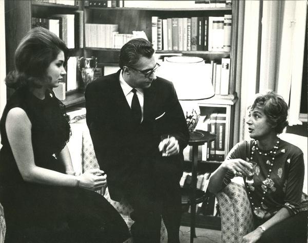 Al centro Luigi Silori, storico conduttore Rai di programmi sui libri