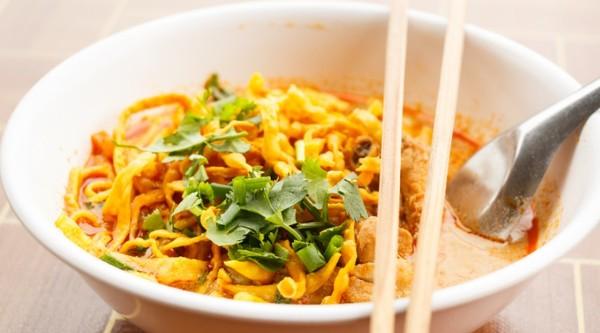 Een van onze favorieten: khao soi.