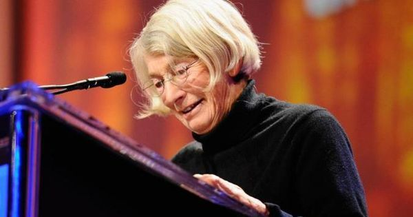 7 Leadership Lessons From Mary Oliver On How To Forge Your Own Path