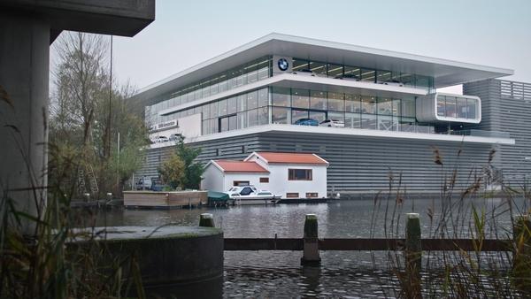 de woonboot van Jan Griffejoen / KRO-NCRV