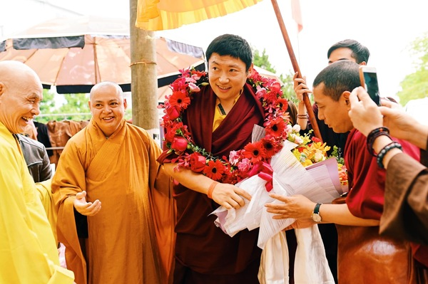 Phakchok Rinpoche in Ha Noi