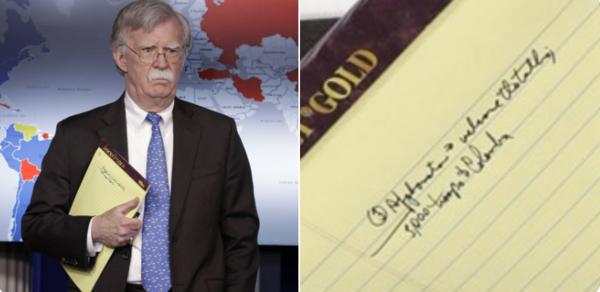Nationaal veiligheidsadviseur John Bolton en zijn aantekeningen