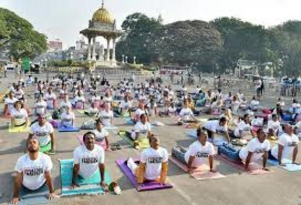 Yoga Stops Traffick at the Mysore Palace