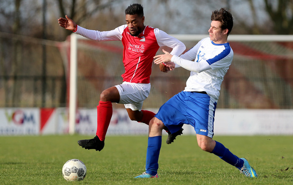 Een vroege achterstand deerde Zuilichem niet tegen Leerdam Sport. Klik op de foto (Jeroen de Bruin) voor het verslag.