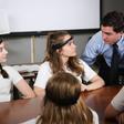 China is weer bezig: hersenlezende headset getest op scholieren - WANT