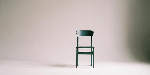 Waarom minder stoelen beter werkt - EventGoodies