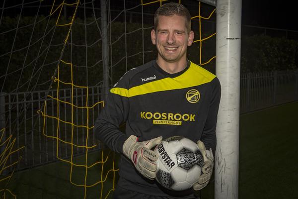 Interview met Albert Vente, de doelman van FC Perkouw. Klik op de foto (John Wijntjes) om het interview met Vente te lezen.