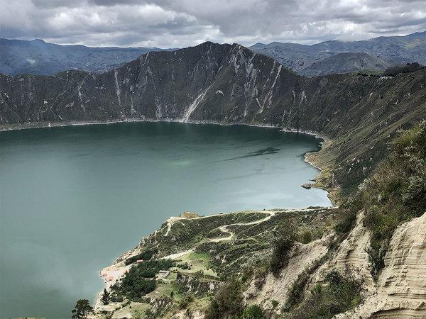 Het meer in de Quilotoa-krater.