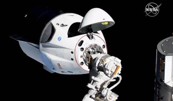Dlaczego udany start i dokowanie statku SpaceX Crew Dragon są takie ważne? – Crazy Nauka