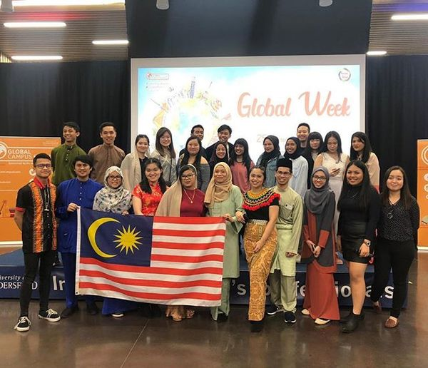 With the Malaysian Student Society (& some Malaysian friends from Leeds/Sheffield) during Malindo Night 2019