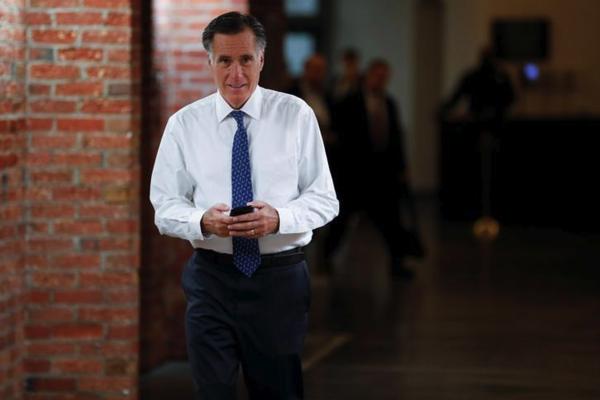 Senator en oud-presidentskandidaat Mitt Romney sloot zich aan bij het Democratische verzet tegen de noodtoestand (foto: Reuters)