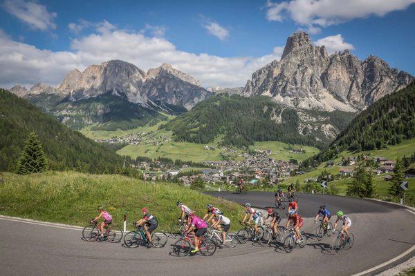 Dolomites Bike Day: 108 km di Dolomiti solo per le bici
