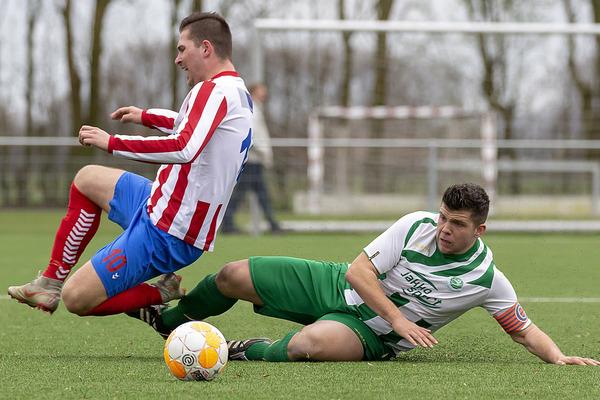 Woudrichem speelt met leeuwenhart en klopt Roda Boys met 1-0