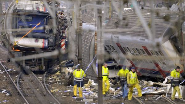 Netflix verwijdert beelden van treinramp Buizingen | VRT NWS