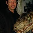 Jeff Goldblum Doesn't Think Scientists Should Resurrect Dinosaurs | Inside Edition