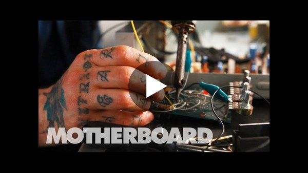 Peaking Lights and the Sound of Recycled Electronics: Sound Builders
